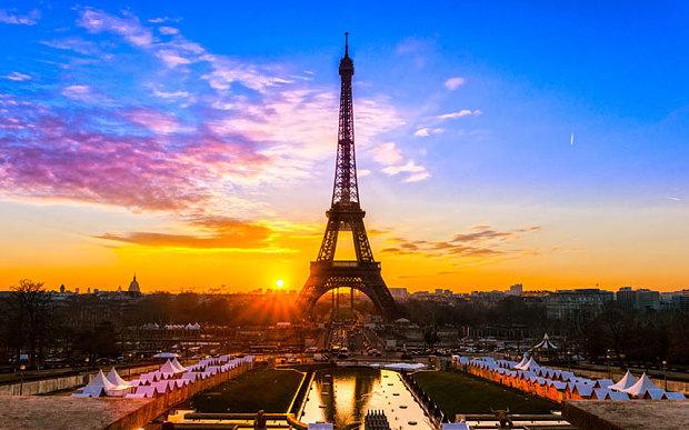 Paris_3300925b