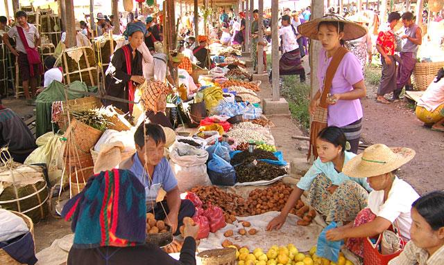 mine-thauk-market01